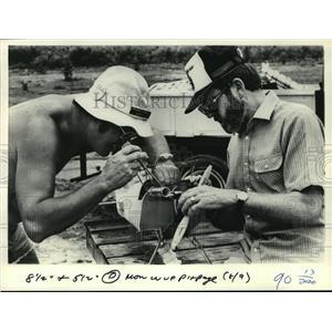 1982 Press Photo Reinhart Kuntz & Jack Heilpern worked on Aero Master biplane