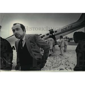 1984 Press Photo Pilot George Daubner III of Hartford relaxed after the landing