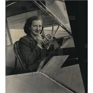 1945 Press Photo Mrs. William A. Beck - mja18475