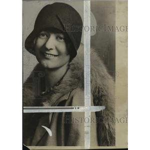 1928 Press Photo Winifred Babb, drama club leader - mja33889