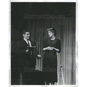 1960 Press Photo Jerry Stiller Anne Meara Medium Rare - RRR50963