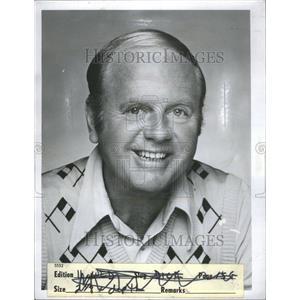 1977 Press Photo Dick Van Patten Actor