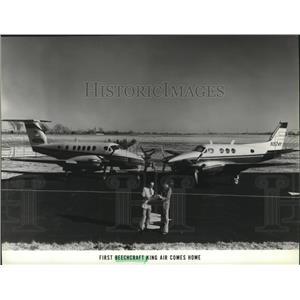 1979 Press Photo First Beechcraft Air comes home, Jim Weber and Jan Mann