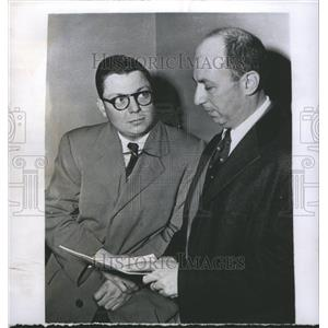 1956 Press Photo Robert Schlesinger new.
