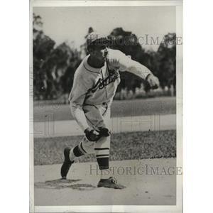 1932 Press Photo Rookie pitcher Albert Caldera of the St Louis Cardinals