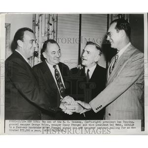 1950 Press Photo Executives of the New York Yankees shaking hands - nes51856