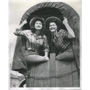 1951 Press Photo Oak Lawn Frontier Days Two Women