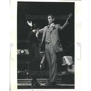 1977 Press Photo The Show Off