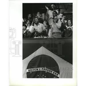 1990 Press Photo Brazilian fans cheer their volleyball team at Goodwill Games