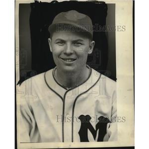 1935 Press Photo Wayne La Master traded to Louisville Colonels - mjs03664