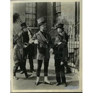 1964 Press Photo W.C. Fields and Freddie Bartholomew in David Copperfield.