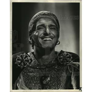 1946 Press Photo Douglas Fairbanks Jr. stars in Sinbad, the Sailor. - mjx14071