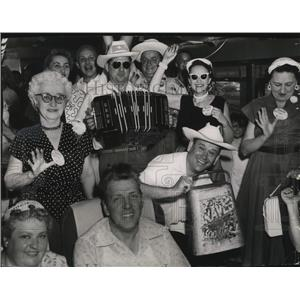 1955 Press Photo Braves Boosters on their way to see their favorites.