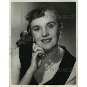 1957 Press Photo Molly Bee of the Ray Anthony Show - mjx16333