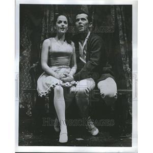 1967 Press Photo Anne Kaye Walter McGinn in Fantasticks