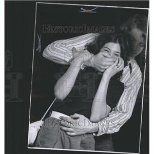 1972 Press Photo Man Holds Woman