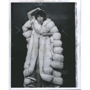 1965 Press Photo Musical Actress Best Singer Newman