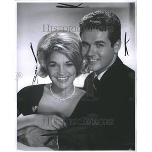 1960 Press Photo Marcia Rogers and Mark Goddard