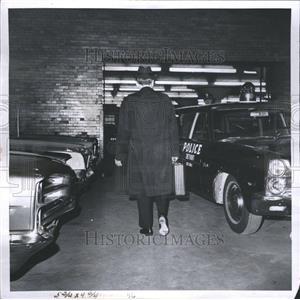 1967 Press Photo Ray Girardin on set