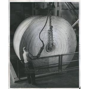 1962 Press Photo Lowering the Boom