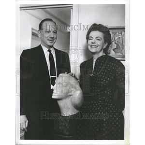 "1969 Press Photo ""Person to Person"" Helen Douglas"