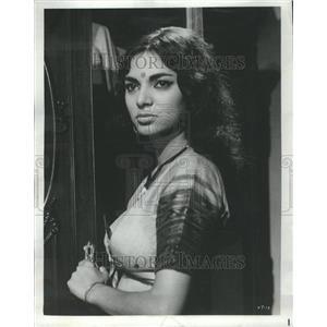 1966 Press Photo Sonia Sahni Indian Actoress Dress Styl