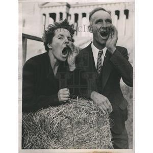 1937 Press Photo Jubilee Farm Week Hog Calling Chicago