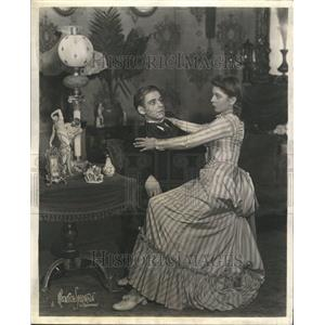 1949 Press Photo  Anne Henderson Edsel Hughes plays
