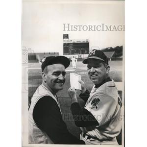 1964 Press Photo Danny Murtaugh with Bobby Bragen of Braves.