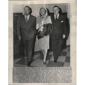 1947 Press Photo Roszika Dolly and Irving Netcher at court in Los Angeles.