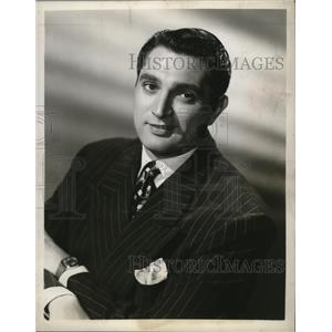 "1950 Press Photo Robert Alda stars in ""By Popular Demand"", on CBS. - mjx18126"