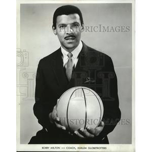 1968 Press Photo Bobby Milton, coach of the Harlem Globetrotters. - mjx18156