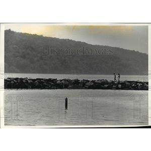 1992 Press Photo High Cliff State Park breakwater in Lake Winnebago - mja35961