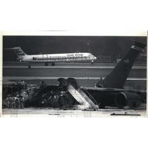 1993 Press Photo Investigation Of Air National Guard Tanker Jet Explosion