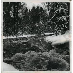 1966 Press Photo The Wolf river boiled over boulders in Langlade county.