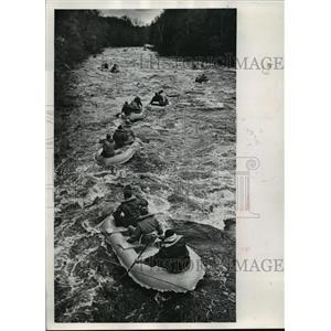 1968 Press Photo Rubber rafts and kayaks snaked their way down the Wolf river.
