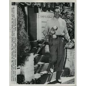 1951 Press Photo NY Giant pitcher Jim Hearn at golf in Atlanta Georgia