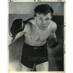 1938 Press Photo Lightweight champion Lou Ambers knocks out Lou Jallos.
