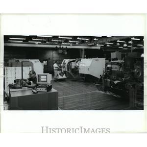 1994 Press Photo Ladish Company, Custom Forgings for Jet Engines- Wisconsin