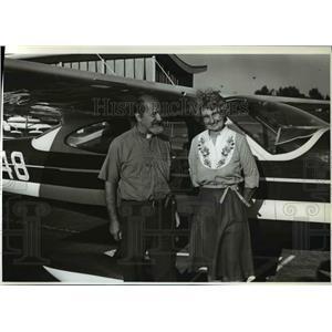 1982 Press Photo Robert Jane Roach Pilots Cascade Range Independence Oregon