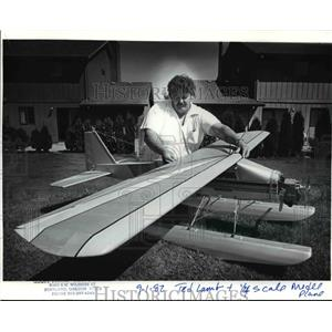 1982 Press Photo Ted Lamb-Oregon Miniature Aircraft Squadron No.1 - orb80612