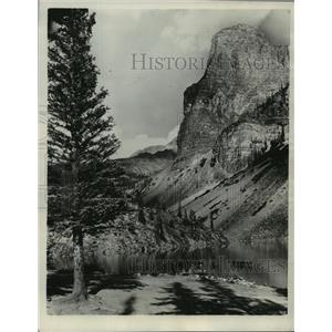 1931 Press Photo The Tower of Babel at Consolation Lake, Alberta, Canada.