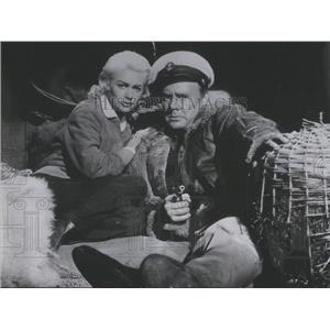 1957 Press Photo Actors Van Johnson And Martine Carol