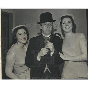 1965 Press Photo Off the Ground
