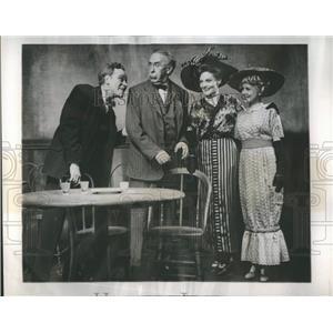 "1946 Press Photo Barton & Diggs- ""The Ice Man Cometh"" - RRR25211"