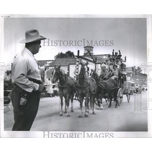 "1958 Stephen Kizaric ""Two Gun"" Press Photo"