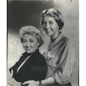 1957 Press Photo Joan Blondell - RRR48035