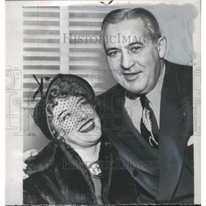 1946 Press Photo actress Gladys Glad w/ finance Arthur Gottlick