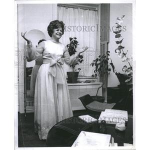 1968 Press Photo Estelle Margaret Parsons in gown - RRR66007