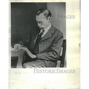 1937 Press Photo Fire Telepathy Sage Hubert Peane Duke